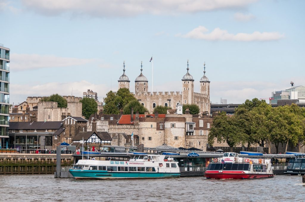 Tower of London - Blick von der Themse